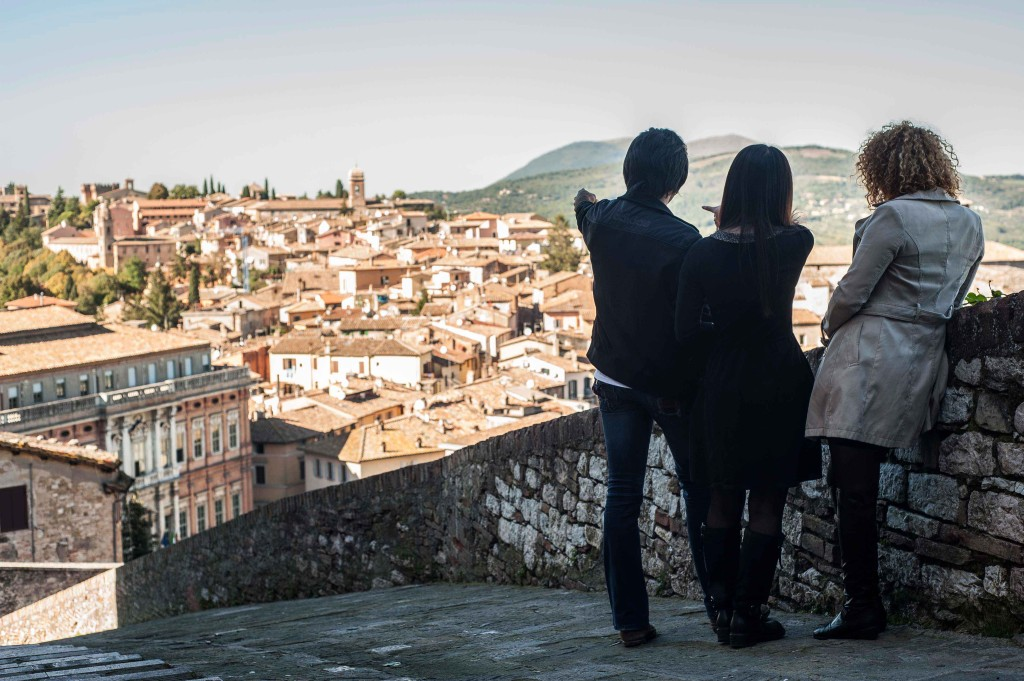 Pointing out some of the highlights of Perugia