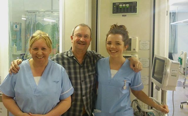 Nic with ward nurses Thelma (L) and Julia.